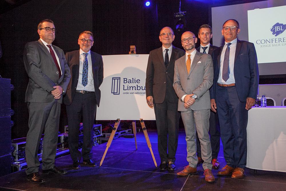 Inhuldiging logo Balie Limburg met minister Koen Geens